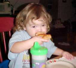 Shelby Rae Gallimore eating Pizza